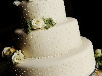 ivory-pearl-quilted-wedding-cake-73514